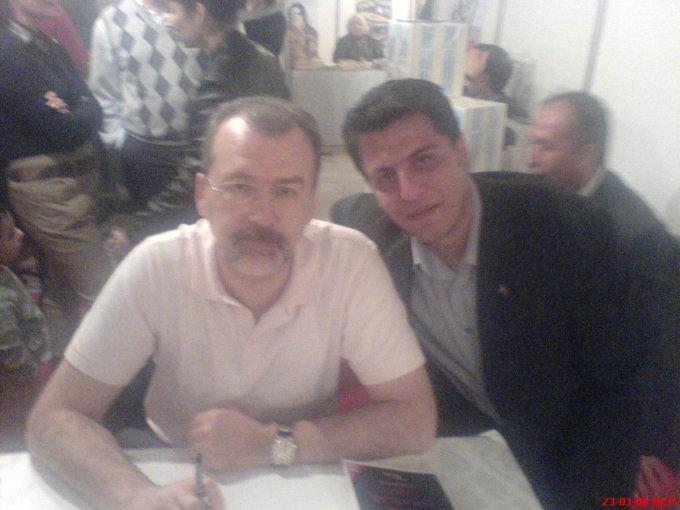 Hulki Cevizoğlu ile Kitap Fuarından. (2009)